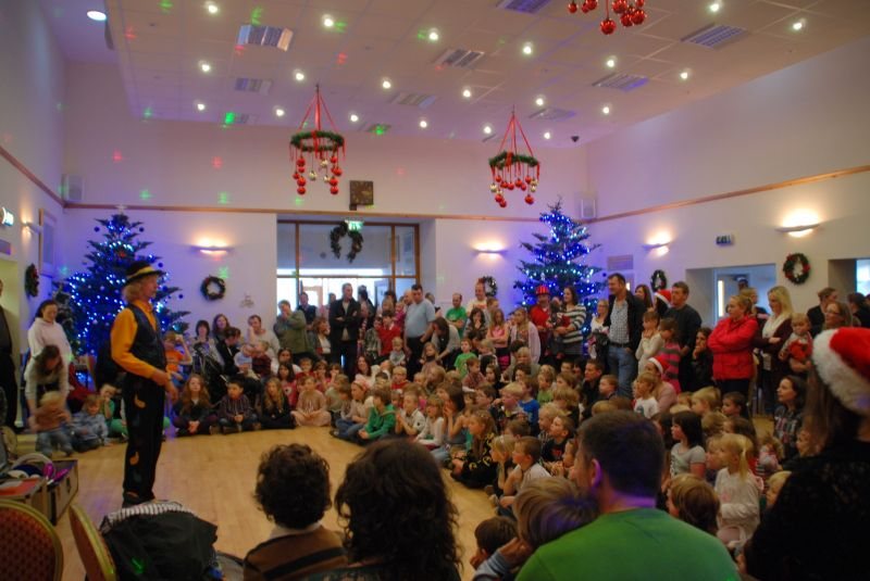 childrens-xmas-party image 1
