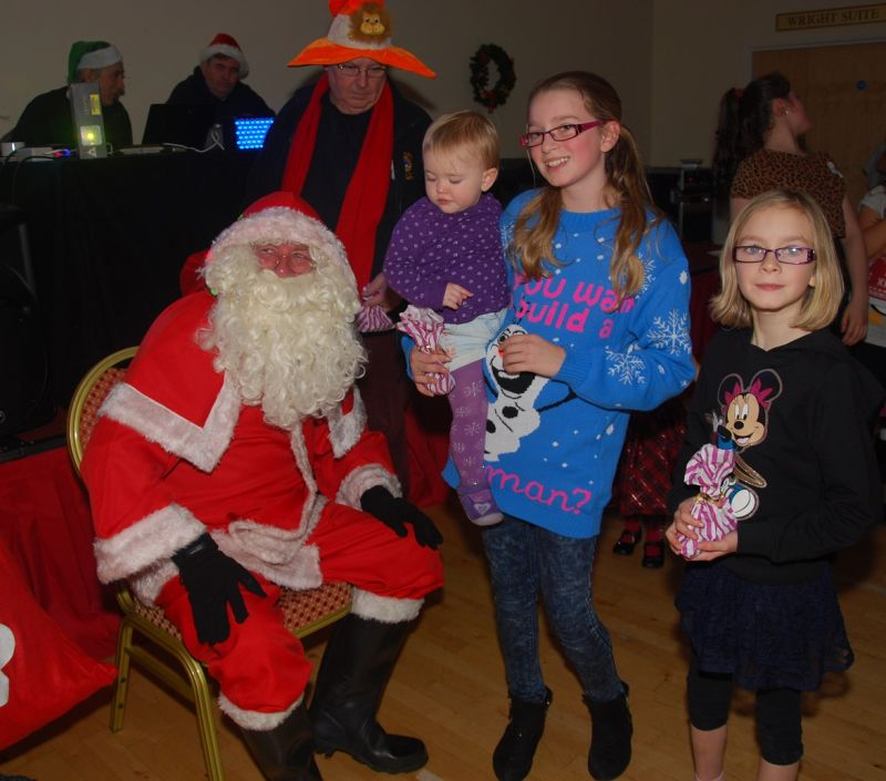 childrens-xmas-party image 10