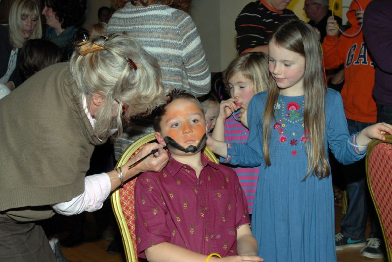 childrens-xmas-party image 7
